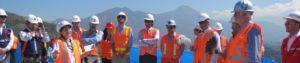 Sylvia Galleguillos de Feng Shui Chile conduce ceremonia de la Tierra para la última torre del proyecto Parque Titanium en Santa Rosa de las Condes